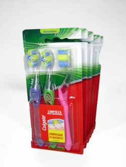 Cepillo Dental COLGATE Twister Medio 3 Unidades.